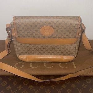 Authentic Gucci vintage crossbody shoulder bag